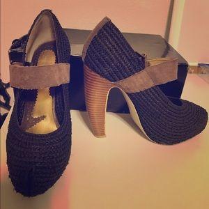 Zinc Raffia Ankle Strap Maria Black Heels