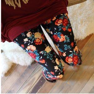 Infinity Raine Pants - Rose floral print leggings