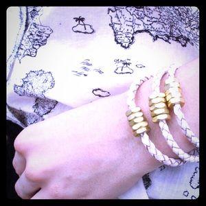 "Half United Jewelry - ""Honeybee"" Bracelet 🎀🎀Last One🎀🎀"