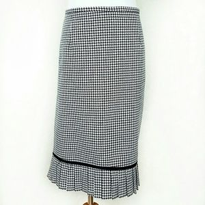 Danielle B Dresses & Skirts - Houndstooth Print Skirt