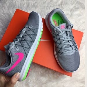 Nike Shoes - NWT Nike flex sneaker 👟