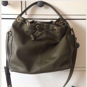 BR   Italian Leather Bucket Bag