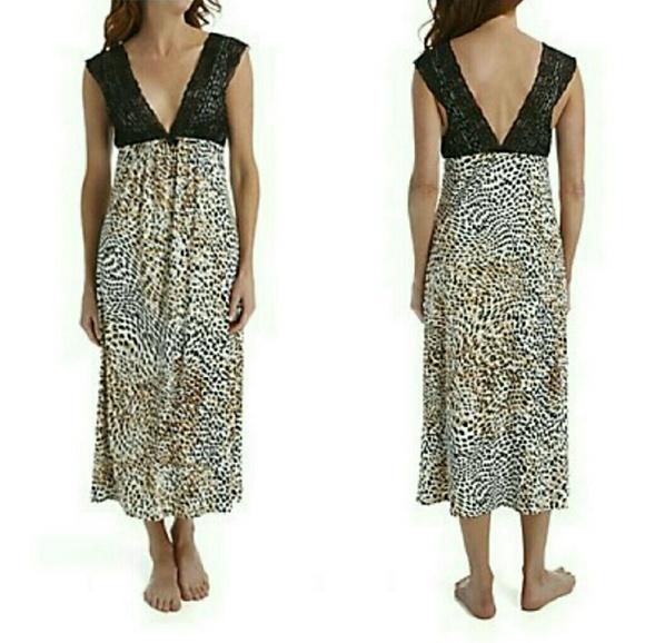 8a85c49b22 NEW WITH TAGS❗️OSCAR DE LA RENTA Jersey Nightgown