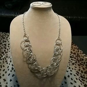 NEW * Necklace & Earring Set *