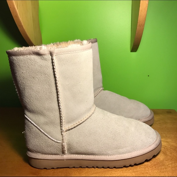 Light gray short Ugg boots