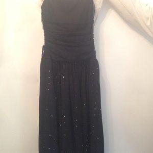 Speechless Dresses & Skirts - Speechless black knee or below the knee