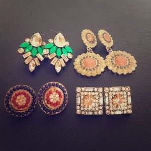 Jewelry - 4 pairs of earrings