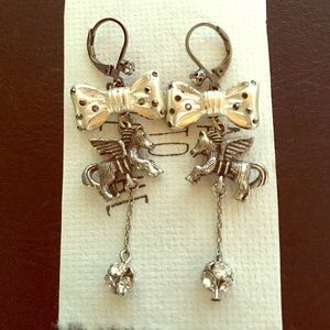 Jewelry - Delicate Unicorn drop earrings