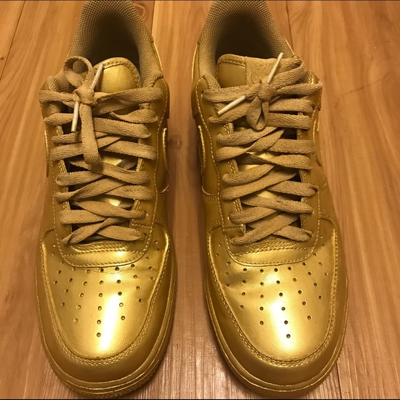 all gold nike shoes 172197015