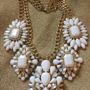Jewelry - White and rhinestones necklace