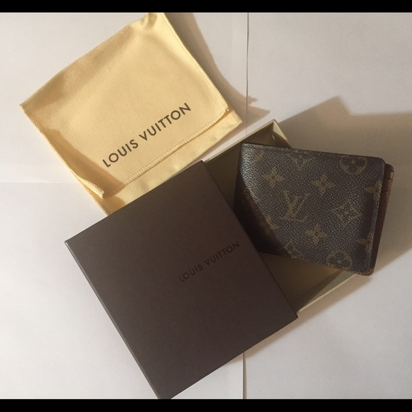 8 off louis vuitton other louis vuitton mens wallet