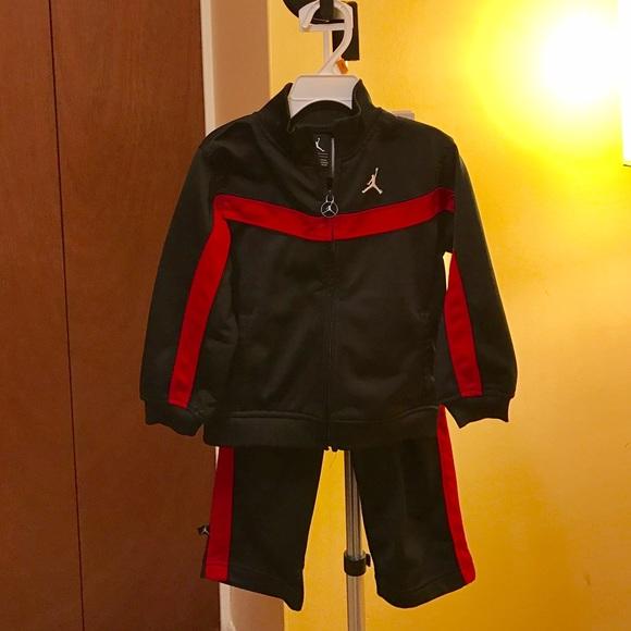 92f8425ec9f Air Jordan Toddler Boy >Jogging Set Tracksuit. M_582a8643ea3f363825014bcf