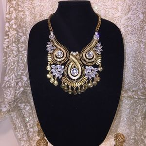 Jewelry - GOLD AND SWARVOSKI CRYSTAL NECKLACE
