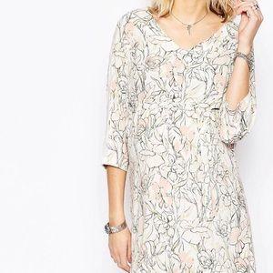 Mama Licious Dresses & Skirts - MAMA.LICIOUS 3/4 Sleeve Printed Dress