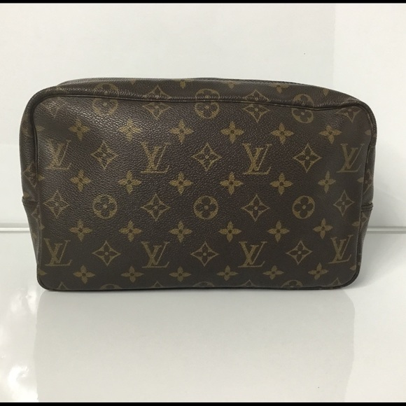 Louis Vuitton Handbags - 100% Authentic Louis Vuitton Trousse Toilette 28 9f5891f6651d2