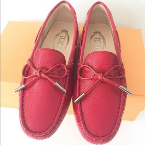 Tod's Shoes - 🆕NIB Auth Tod's moccasins shoes SZ 35.5