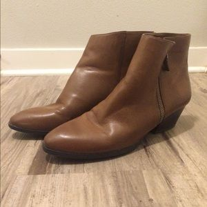 Studio Paolo Shoes - Brown leather booties With Side Zipper