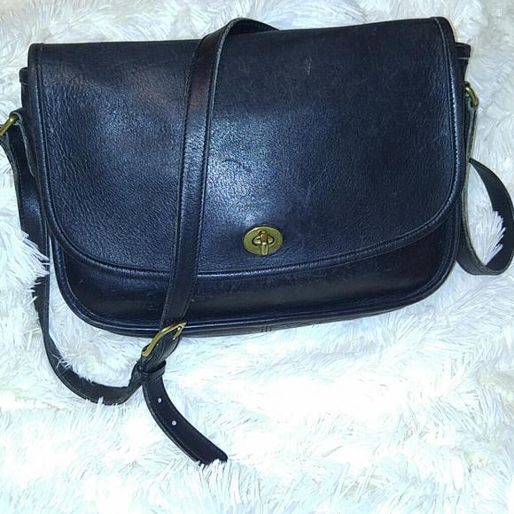 6faec34ab6 Coach Handbags - Vintage Coach Black Leather City Bag 9790