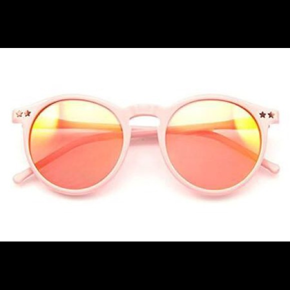 d76a6e91b2 WILDFOX - STEFF DELUXE PINK SUNGLASSES with case