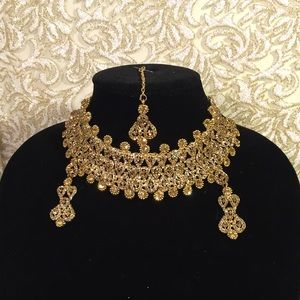 Jewelry - GOLDEN Indian 3 piece Jewelry Set