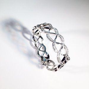 Jewelry - Stunning Crystal Bangle