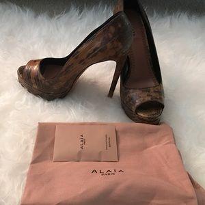 Alaia Shoes - Azzedine Alaïa Python Peep-toe Pumps