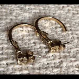 Drakes Jewelry - Gold Rose Earrings