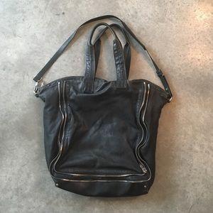 ALEXANDER WANG BLACK ZIP DETAIL SHOULDER BAG