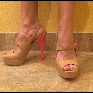 Colin Stuart Shoes - Nude never worn pumps Colin Stuart