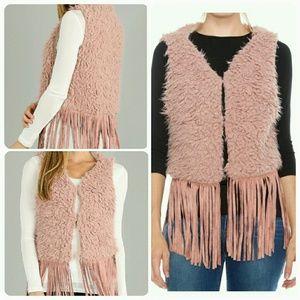 Jackets & Blazers - 🆕One Size 28*40 Dusty Pink Faux Fur & Fringe Vest
