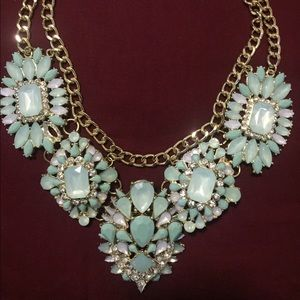 brand new mint/gold statement necklace