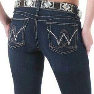 Wrangled rock 47 boot cut dark wash jean