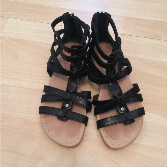 0fcc670b099 UGG Gladiator Sandals. Black Leather. Size 6