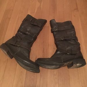 Steve Madden Shoes - Steve Madden 3 buckle boots