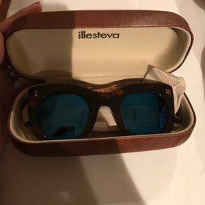 Illesteva Accessories - Illesteva Boca sunglasses
