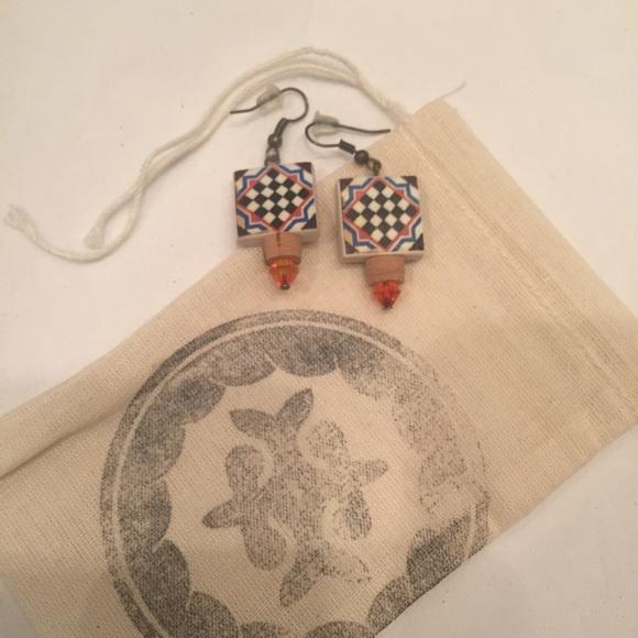 2a8fc9d1505 BNWT: 🇵🇹Portuguese tile geometric earrings