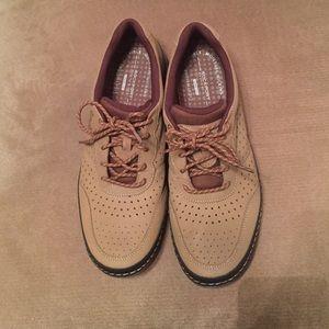Rockport Other - Rockport Tan Sneaker