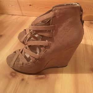 Shoemint wedges, Size 8