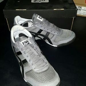 Onitsuka Tiger Other - Onitsuka Tiger Ultimate 81 Classic Running Shoe