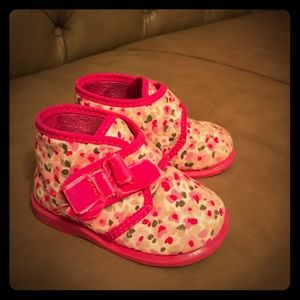 Cienta Other - Cienta baby boots