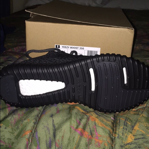 adidas nmd r2 grey five adidas yeezy boost 350 pirate black authentic