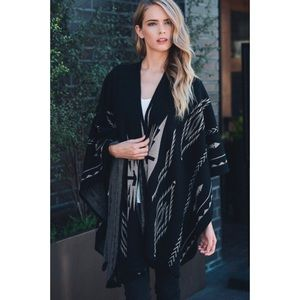 Hannah Beury Accessories - Poncho