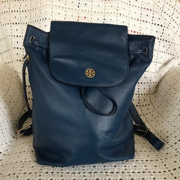 69942176a4d Tory Burch Brody Backpack. M 582c69c14e95a3904103d3d2