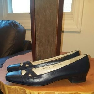 Ferragamo Shoes - FERRAGAMO 9 NAVY FLATS BALLET MADE IN ITALY narrow