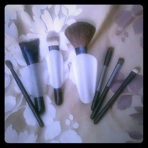 Estee Lauder Other - Estee Lauder brush set
