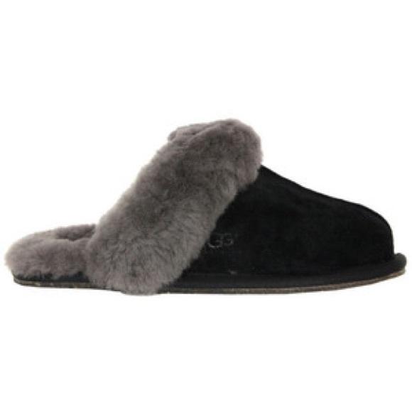 ugg scuffette slippers black