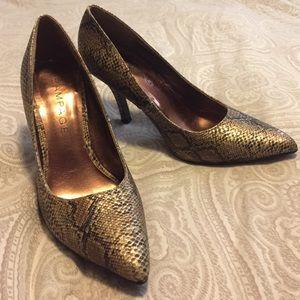 Snake skin print heels!
