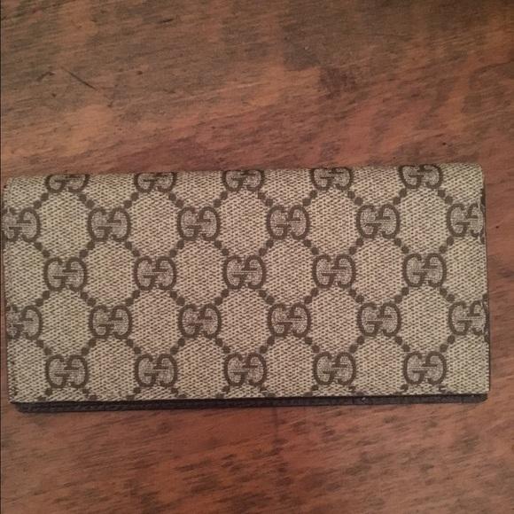 81aaf45817aa05 Gucci Accessories   Checkbook Cover   Poshmark