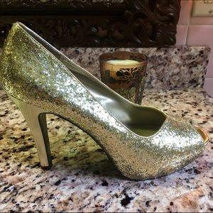 NINE WEST Gold Glitter Peep Toe