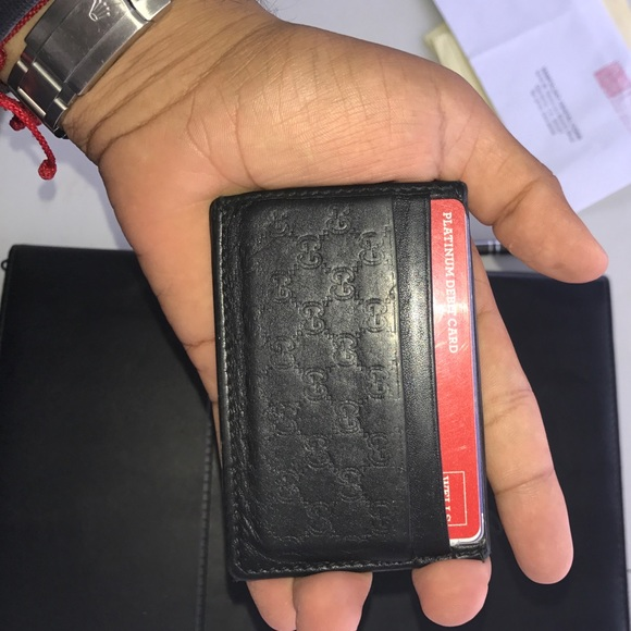 6461b4c7c01 Currently selling my GUCCI men s card holder. M 582cc05fa88e7dc25904e785